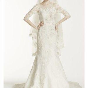 Oleg Cassini Wedding dress - Size 10
